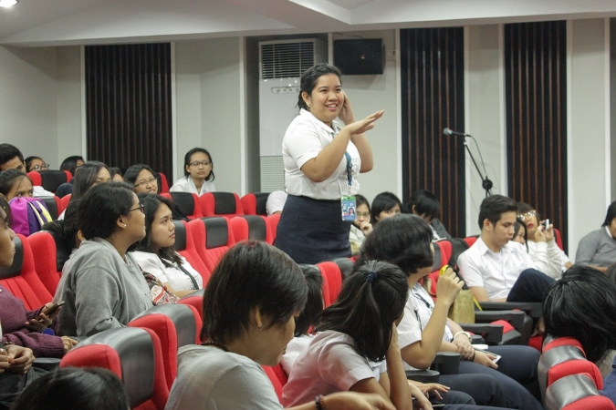Student Council pres. khamylle Castillo interacts with Mr. Wen