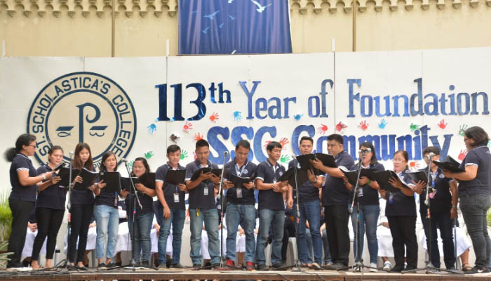 """The General Services Personnel renders a """"harana"""" during Community Day last December 9"""